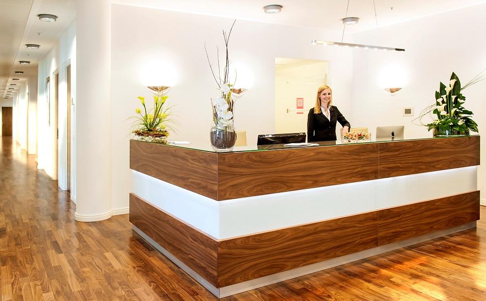 Eingangsbereich Büro Website-Analysten in der Maximilianstraße 2 in München